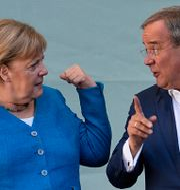 CDU:s Angela Merkel och kanslerkandidaten Armin Laschet.  Martin Meissner / TT NYHETSBYRÅN