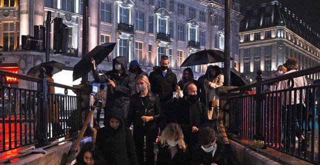 Männsikor vid Oxford Circus Station i London Kirsty O'Connor / TT NYHETSBYRÅN
