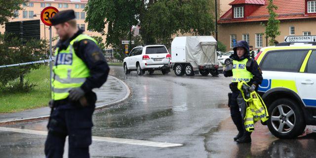 Nationella bombgruppen vid polishuset i Linköping Jeppe Gustafsson / TT NYHETSBYRÅN