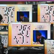 South Korean professional Go player Lee Sedol is seen on the TV screens during the Google DeepMind Challenge Match against Google's artificial intelligence program, AlphaGo, at the Yongsan Electronic store in Seoul, South Korea, Wednesday, March 9, 2016. Ahn Young-joon / TT / NTB Scanpix