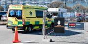 Ambulans vid fältsjukhuset i Älvsjö i Stockholm. Anders Wiklund/TT / TT NYHETSBYRÅN