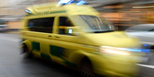 Byte i ambulansen patienten dog