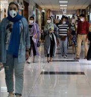 Människor i Iran.  Vahid Salemi / TT NYHETSBYRÅN