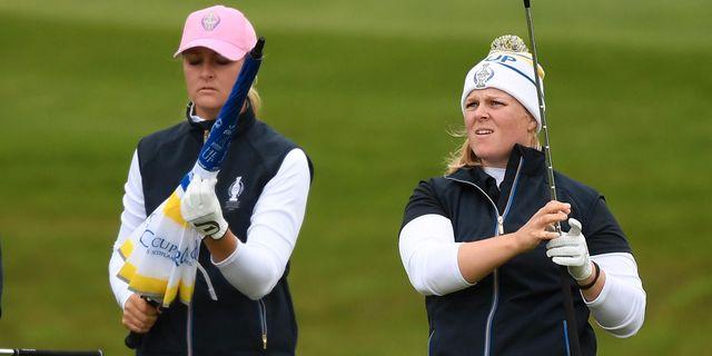 Anna Nordqvist och Caroline Hedwall på Gleneagles. ANDY BUCHANAN / AFP
