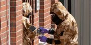 Polisen utreder förgiftningarna i Storbritannien. Matt Dunham / TT / NTB Scanpix