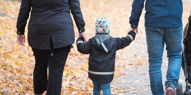 Barnfamilj. Arkivbild. Fredrik Sandberg/TT / TT NYHETSBYRÅN
