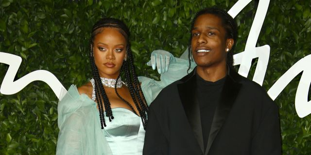 Asap Rocky tillsammans med Rihanna under British fashion Award i London 2 december. Joel C Ryan / TT NYHETSBYRÅN