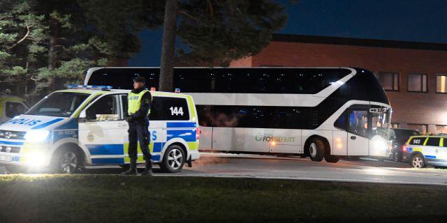 Polisen utanför Migrationsverkets förvar i Märsta förra året.  Anders Wiklund/TT / TT NYHETSBYRÅN
