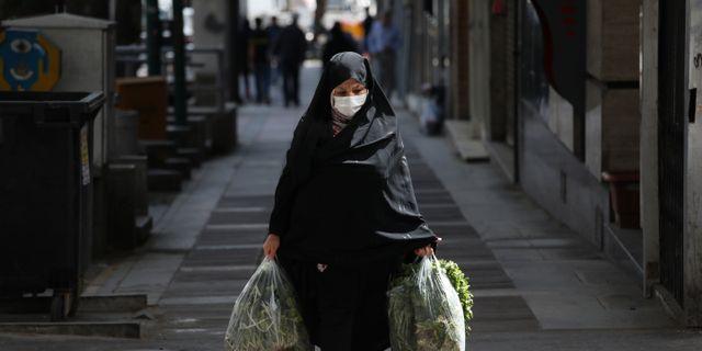 Kvinna i Teheran.  Vahid Salemi / TT NYHETSBYRÅN
