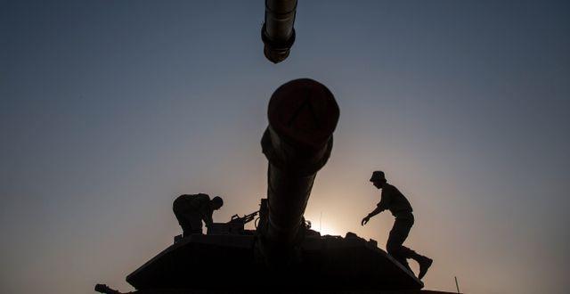 Arkivbild. Israeliska soldater på en stridsvagn i Golanhöjderna. Ariel Schalit / TT NYHETSBYRÅN
