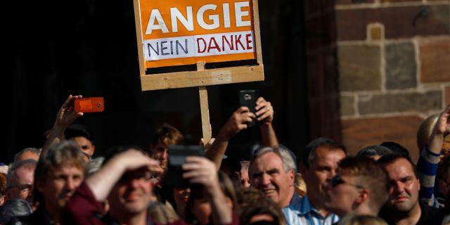 Merkelkritisk demonstration i staden fritzlar KAI PFAFFENBACH / TT NYHETSBYRÅN