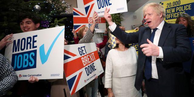 Boris Johnson, till höger.  Hannah McKay / TT NYHETSBYRÅN