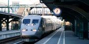 Passagerare väntat på att kliva på SJ:s X2000-tåg med nummer 550 på Lund C. Johan Nilsson/TT / TT NYHETSBYRÅN