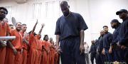 Kanye West uppträder i ett av fängelserna. Harris County Sheriff's Office / TT NYHETSBYRÅN