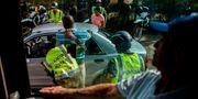 Säkerhetskontroller vid militärposteringar i Cali inför presidentvalet. LUIS ROBAYO / AFP