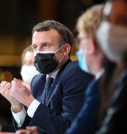 Macron på gårdagens miljökonvent i Paris. Thibault Camus / TT NYHETSBYRÅN