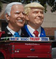Skulpturer av Biden och Trump i Fort Lauderdale i delstaten Florida/Arkivbild. Joe Cavaretta / TT NYHETSBYRÅN