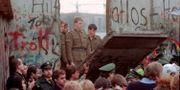 Bild från muren i november 1989. LIONEL CIRONNEAU / TT NYHETSBYRÅN