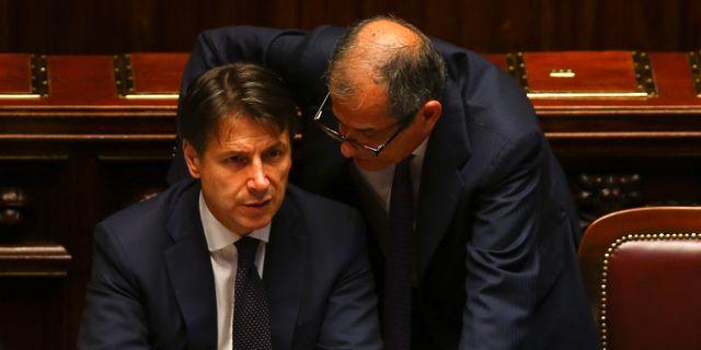 Premiärminister Giuseppe Conte och finansminister Giovanni Tria. TONY GENTILE / TT NYHETSBYRÅN
