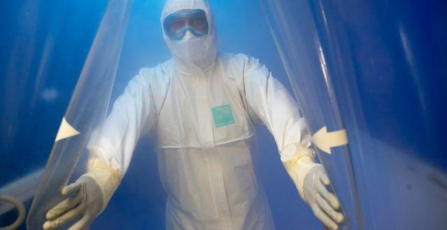 En läkare på en infektionsklinik vid Filatov City Clinical Hospital i Moskva. Pavel Golovkin / TT NYHETSBYRÅN