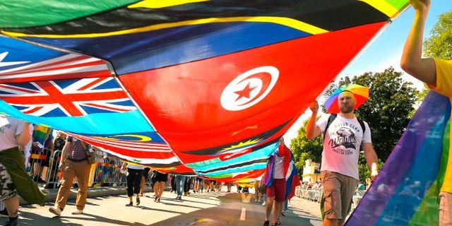 Deltagare i lördagens Europride Parade genom Stockholm. Hossein Salmanzadeh/TT / TT NYHETSBYRÅN