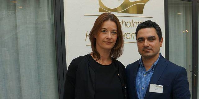 Henrik Sjögren. ABB:s public affairs-chef Patricia Kempff med utvisade ingenjören Ali Omumi. ABB har kämpat länge för att få behålla Ali Omumi som anställd.