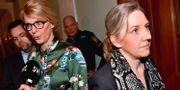 Moderaternas ekonomiske talesperson Elisabeth Svantesson (M) och Miljöpartiets ekonomiske talesperson Karolina Skog (MP) intervjuas efter Finansutskottets möte i riksdagen. Jonas Ekströmer/TT / TT NYHETSBYRÅN