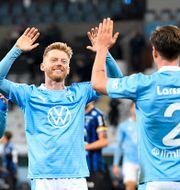 Malmös Anders Christiansen och Eric Larsson jublar. Johan Nilsson/TT / TT NYHETSBYRÅN