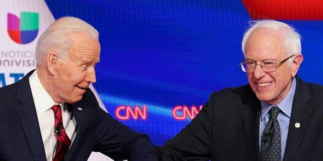 Joe Biden och Bernie Sanders. MANDEL NGAN / TT NYHETSBYRÅN