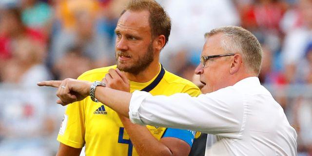 Andreas Granqvist och Janne Andersson. MICHAEL DALDER / TT NYHETSBYRÅN