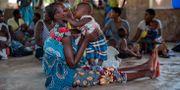 Bild från pilotprogrammet. Invånare i staden Tomali i Malawi vaccineras. Jerome Delay / TT NYHETSBYRÅN