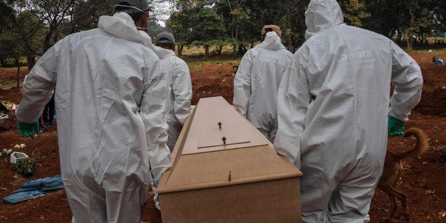 Begravning i Brasilien. NELSON ALMEIDA / TT NYHETSBYRÅN
