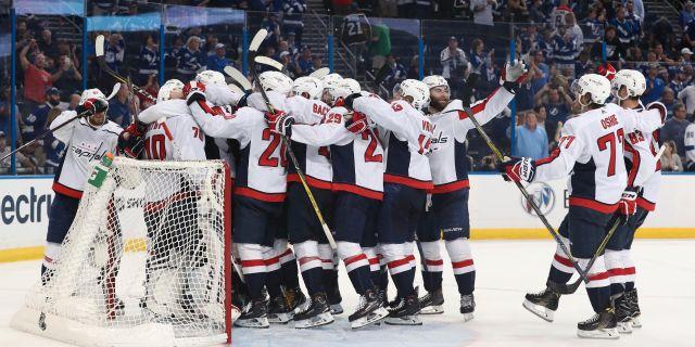 Washington Capitals spelare firar efter segern. Kim Klement / TT NYHETSBYRÅN