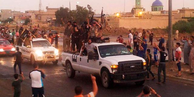 IS under en parad i Mosul i juni 2014. Uncredited / TT NYHETSBYRÅN/ NTB Scanpix