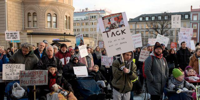 En manifestation arrangerad på internationella funktionshindersdagen; Assistans är frihet - Rädda LSS (lag om stöd och service till vissa funktionshindrade) på Norra Latins skolgård i Stockholm 2016 Janerik Henriksson/TT / TT NYHETSBYRÅN