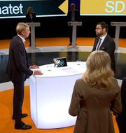 Per Bolund och Jimmie Åkesson duellerar om miljön. SVT/Skärmdump