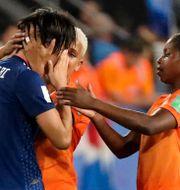 Saki Kumagai gråter efter matchen mellan Japan och Nederländerna. LUCY NICHOLSON / BILDBYRÅN