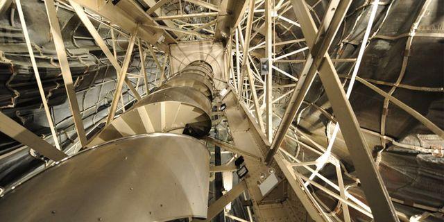 Trappan upp till facklan renoverades 1984 men är fortfarande stängd för allmänheten. Wikicommons