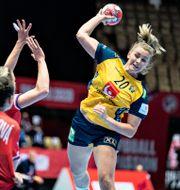 Sveriges Isabella Gulldén i en tidigare match under mästerskapet Henning Bagger/TT / TT NYHETSBYRÅN