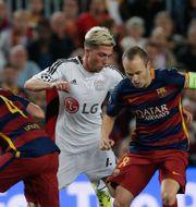 Barcelona möter Bayer Leverkusen. Emilio Morenatti / TT / NTB Scanpix