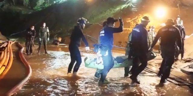Räddningsarbetet i grottan. Sakchai Lalit / TT / NTB Scanpix