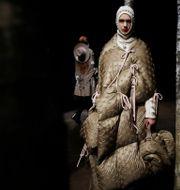 Arkivbild: Från Monclers modevisning i Milano, februari 2019.  Luca Bruno / TT NYHETSBYRÅN