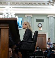 Visselblåsaren Francis Haugen vittnar i senaten, 5 oktober.  Drew Angerer / TT NYHETSBYRÅN
