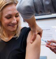 En vårdstudent i Norge får hpv-vaccin, illustrationsbild. Heiko Junge / TT NYHETSBYRÅN