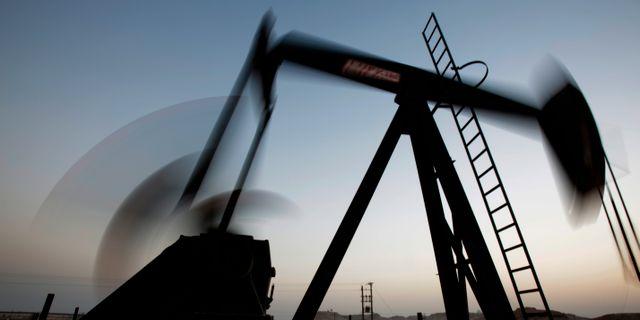 En oljepump i Bahrain. Hasan Jamali / TT NYHETSBYRÅN