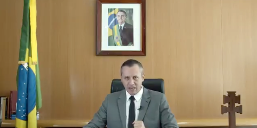 Roberto Alvim.