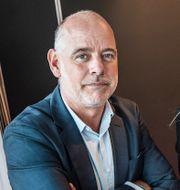 SvD:s Jan Almgren och Ericssons vd Börje Ekholm Tomas Oneborg/SvD/TT och Christine Olsson/TT