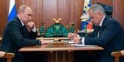 Rysslands president med försvarsminister Sergej Shoigu. Alexei Druzhinin / TT NYHETSBYRÅN/ NTB Scanpix