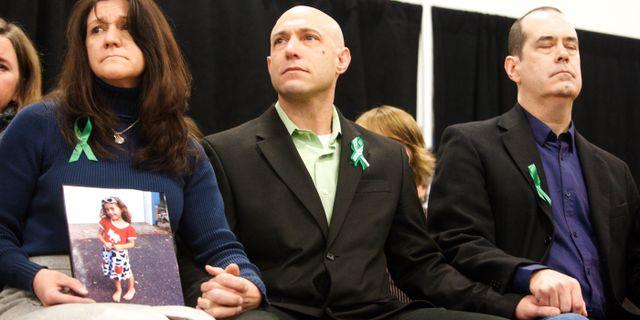 Jeremy Richman i mitten med hustrun Jennifer Hensel till vänster. Michelle McLoughlin / TT NYHETSBYRÅN