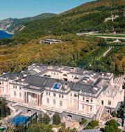 Palatset ligger på en privat ö. TT NYHETSBYRÅN